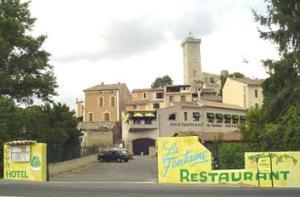 emblème de l'établissement Hotel La Fontaine