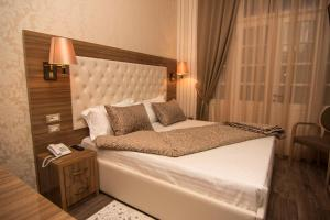 Hotel Boutique Restaurant Gloria, Отели  Тирана - big - 16