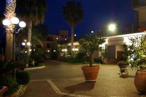 Hotel Ristorante Donato, Hotely  Calvizzano - big - 80