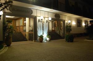 Hotel Ristorante Donato, Hotely  Calvizzano - big - 77