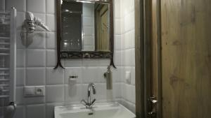 Artists Residence in Tbilisi, Hotel  Tbilisi - big - 59