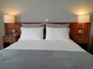 Superior Double Room with Side Sea View