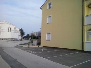 Apartment Elza, Apartments  Povljana - big - 11