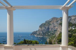 Villa Hibiscus, Villas  Capri - big - 7