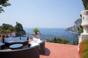 Villa Hibiscus, Villas  Capri - big - 16