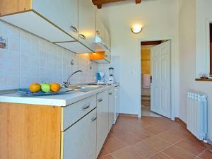 Casa Nadalina, Holiday homes  Rapavel - big - 17