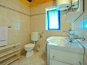 Casa Nadalina, Holiday homes  Rapavel - big - 29