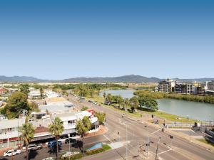 Oaks Townsville Gateway Suites