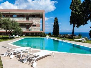 Alluring Apartment With Swimming Pool in Taormina  - AbcAlberghi.com