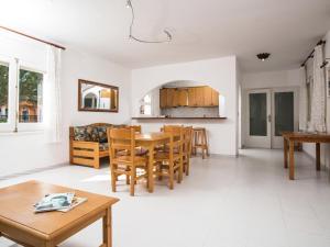 Holiday Home Amfora Muns, Ferienhäuser  Sant Pere Pescador - big - 4
