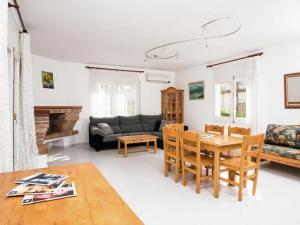 Holiday Home Amfora Muns, Ferienhäuser  Sant Pere Pescador - big - 5