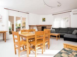 Holiday Home Amfora Muns, Ferienhäuser  Sant Pere Pescador - big - 6