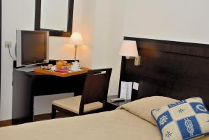Hôtel Comté de Nice, Hotely  Beaulieu-sur-Mer - big - 75