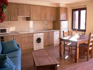 Apartamentos Turísticos Batlle Laspaules, Appartamenti  Laspaúles - big - 2