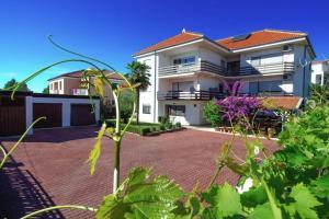 Two-Bedroom Apartment in Zadar I - Diklo