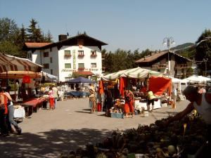 Albergo Tirolo, Abetone, Italy | J2Ski