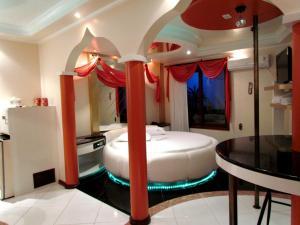 Motel Giro D'Água (Adult Only), Отели для свиданий  Кашиас-ду-Сул - big - 6