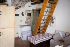 Appartamenti turistici Vicolo S. Chiara, Apartmanok  Sassoferrato - big - 16