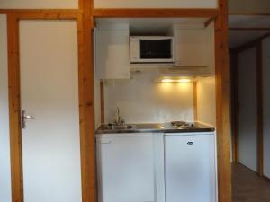 Camping La Cascade, Apartmanházak  Le Bourg-d'Oisans - big - 13