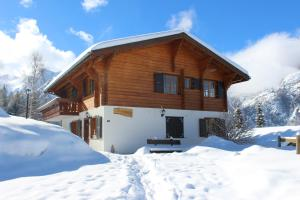 Chalet Charming
