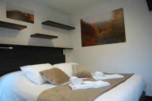 Location gîte, chambres d'hotes Aux 500 Diables Eco Lodge - Hotel dans le département Puy de Dôme 63