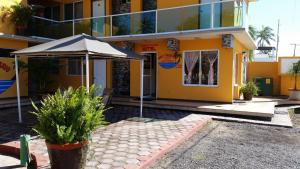 Hotel y Balneario Playa San Pablo, Отели  Монте-Гордо - big - 166