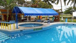 Hotel y Balneario Playa San Pablo, Отели  Монте-Гордо - big - 167