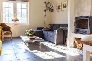 Louisehoeve Holiday Home, Дома для отпуска  Linschoten - big - 24