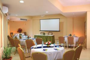 Uday Suites - The Airport Hotel, Отели  Тривандрум - big - 22