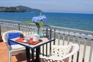 Hotel Residence La Darsena - AbcAlberghi.com