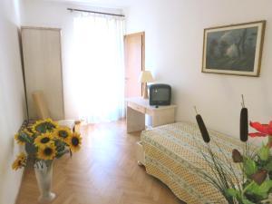 Hotel Zanella, Hotels  Nago-Torbole - big - 39