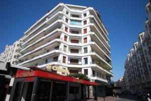 Palais Des Iles 3 Pièces Vue Mer 56638, Apartmány  Cannes - big - 27