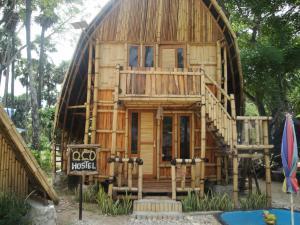 . OCD Beach Cafe & Hostel