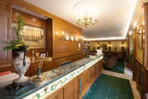 Grand Hotel London, Отели  Варна - big - 44
