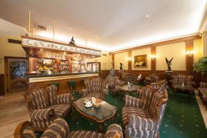 Grand Hotel London, Отели  Варна - big - 28