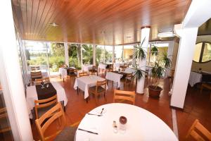 Praia da Lota Resort – Hotel, Hotels  Manta Rota - big - 27
