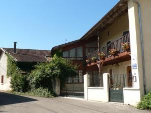 Location gîte, chambres d'hotes Le Relais de St Jean dans le département Ain 1