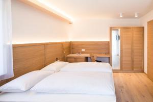 Garni Hotel Clara - Accommodation - Bruneck-Kronplatz