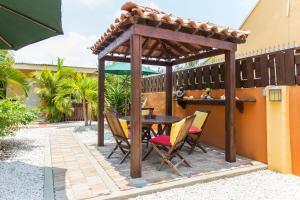 Cariñas Studio Apartments, Apartmány  Palm-Eagle Beach - big - 21