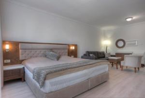 Hotel Adrović, Hotely  Sveti Stefan - big - 34