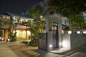 Uncle Loy's Boutique House - Bangkok Noi
