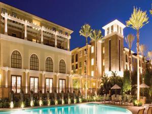 Global Luxury Suites at The Village - Irvine