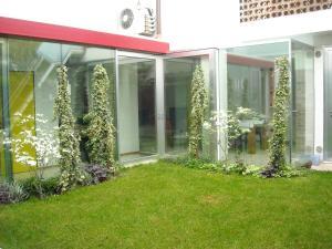 Flowers Rooms