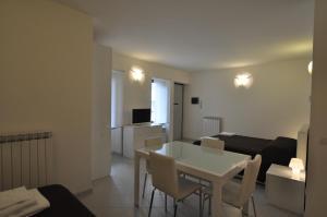 BB Hotels Aparthotel Navigli, Apartmánové hotely  Miláno - big - 55