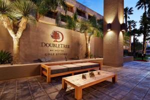 DoubleTree Golf Resort Palm Springs (37 of 73)