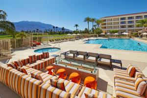 DoubleTree Golf Resort Palm Springs (2 of 73)