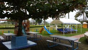 Hotel y Balneario Playa San Pablo, Отели  Монте-Гордо - big - 177