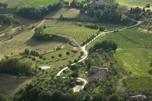 Agriturismo La Grotta Di Montecchino - AbcAlberghi.com