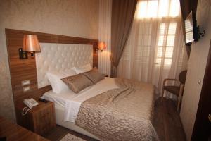 Hotel Boutique Restaurant Gloria, Отели  Тирана - big - 13