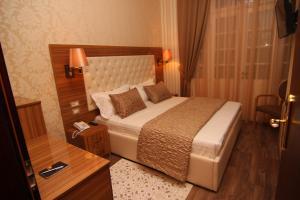 Hotel Boutique Restaurant Gloria, Отели  Тирана - big - 37